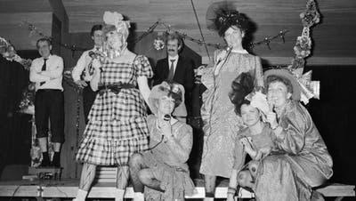 Die Hagediese Fastnachtsclique am Abend des 13. Februar 1988 imStadthof. (Bild: Archiv)
