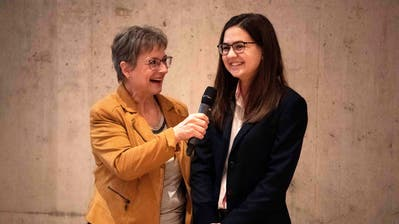 Zu Ehren einer bescheidenen Berufs-Vizeweltmeisterin: Samanta Kämpf lässt sich von den Pfynerinnen und Pfynern feiern