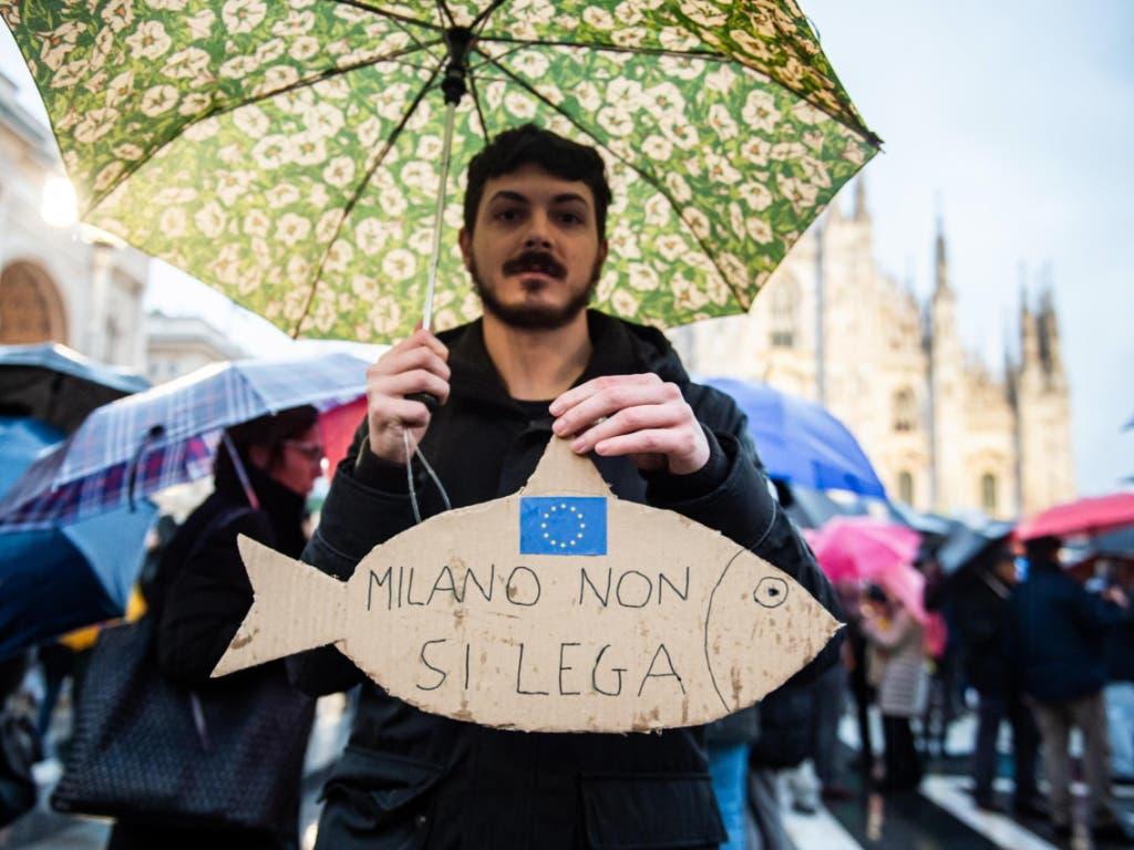 Die Demonstranten folgten einem Aufruf der spontan entstandenen Anti-Lega-Bewegung der «Sardinen».