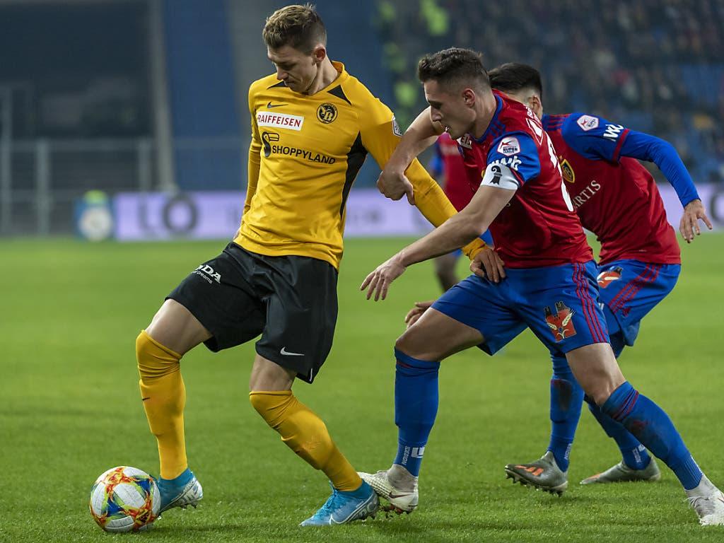 Ein Berner gegen zwei Basler: Der FCB war im Spitzenspiel viel aggressiver