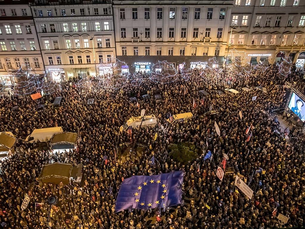 Die Polizei schätzte die Anzahl Teilnehmer in Prag auf 50'000.
