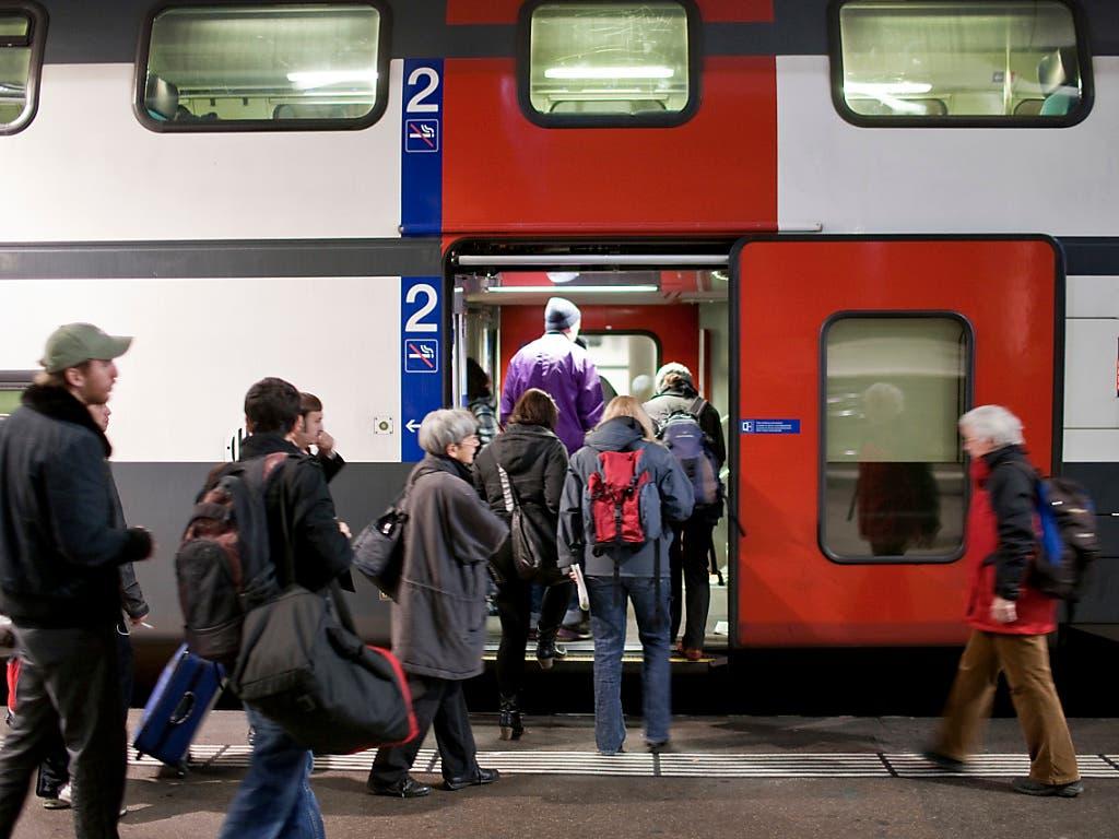 2018 stieg jede Schweizerin und jeder Schweizer im Durchschnitt 71 Mal in einen Zug und legte dabei fast 2400 Kilometer zurück.