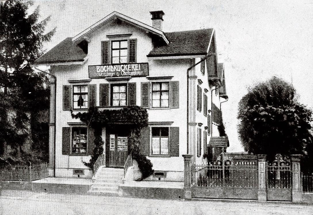 Das alte Geschäftshaus an der Bahnhofstrasse in Buchs, später war es das Gebäude von Radio Eggenberger.