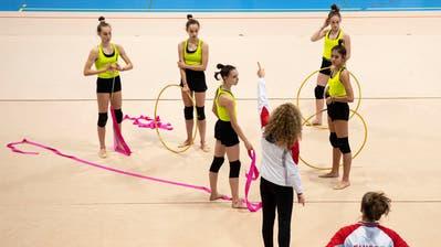 Die jungen Gymnastinnen trainieren sechs Tage pro Woche für ihren grossen Traum: Olympia 2024. (Urs Lindt, freshfocus)