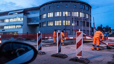 Arbeiten an der Kreuzung Marktstrasse/St.Gallerstrasse in Frauenfeld. ((Bild: Andrea Stalder))
