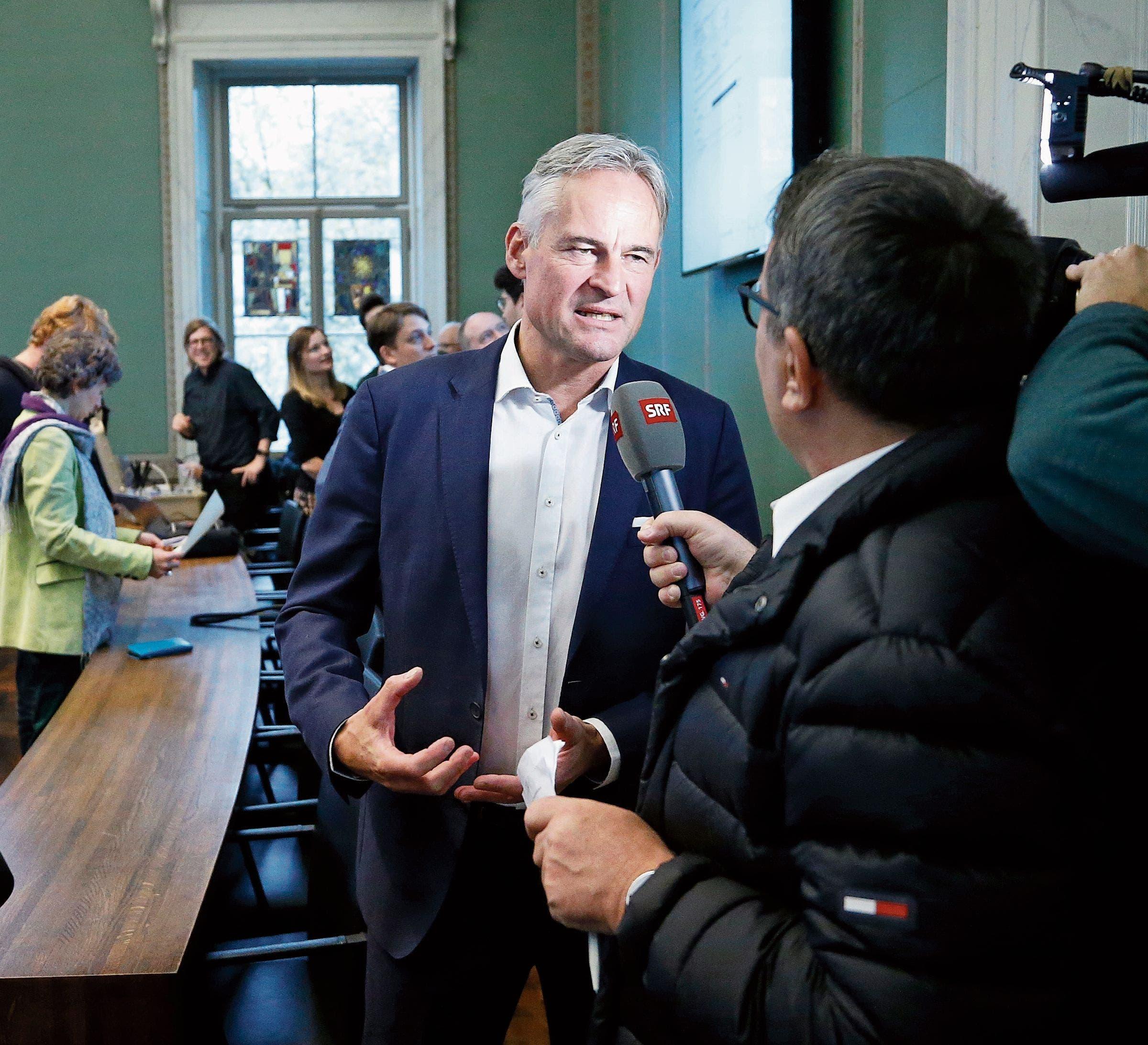 Der neue Zuger Ständeratsvertreter in Bern, hier bei seiner Wahl in Zug: Matthias Michel (FDP).