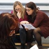 Lehrerinnen tauschen sich an der Klaustagung der Schule Frauenfeld aus. ((Bild. PD))