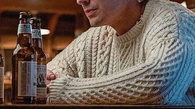 Ein neuer Pullover-Trend macht gerade die Twitterwelt verrückt
