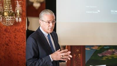 Hubert Achermann tritt als Stiftungsratspräsident des Lucerne Festival zurück. In der Fundraising-Organisation gibt es nun weitere Abgänge. (Roger Grütter)