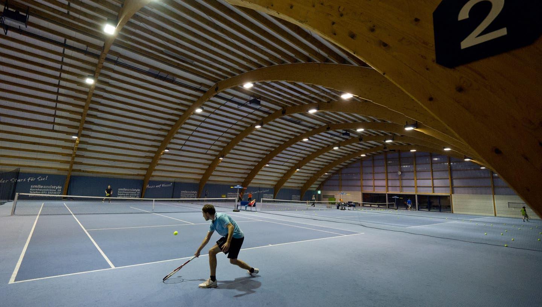 Die Migros zieht sich aus der Polysportiv- und TennisanlageGründenmoos zurück. (Benjamin Manser)
