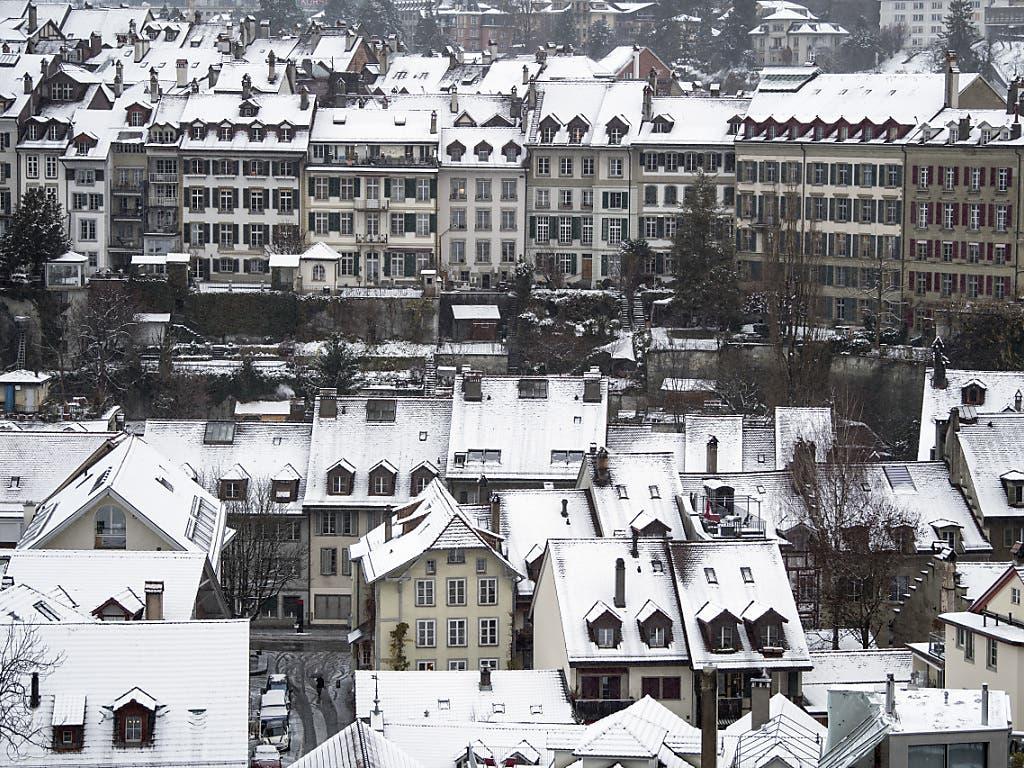 Die Region Bern erwachte am Freitagmorgen unter einen dünnen Schneedecke.