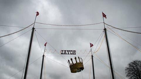 Die Krone hängt schief: Über dem Circus Royal sind dunkle Wolken aufgezogen. (Benjamin Manser)
