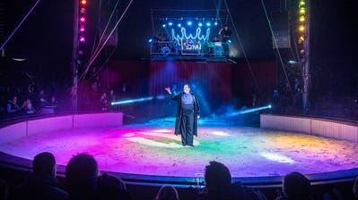 Das diesjährige Programm des Circus Royal feierte vor halbleeren Rängen Premiere. ((Bild: Andrea Stalder, Weinfelden, 2.März 2019))