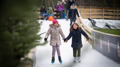Der «Eiszauber» erfreut Kinder, aber nicht Stadtparlamentarier Peter Olibet. (Ralph Ribi)