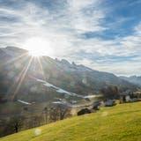 Dieses Jahr wird es in den meisten Regionen der Ostschweiz wahrscheinlich keine weisse Weihnacht geben. (Symbolbild: Urs Bucher (Wildhaus, 22. Dezember 2015))