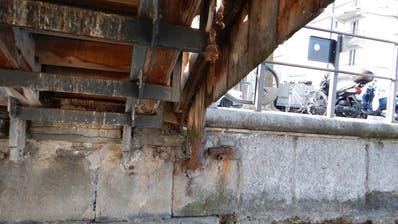 So sah die Baustelle am Nordportalder Kapellbrücke im Winter 2017 aus. (Stadt Luzern)