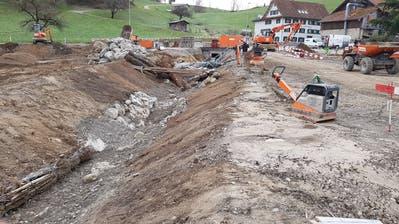 Der Hinterburgmülibach in Neuheim bekommt ein neues Bachbett. (Bild: PD)