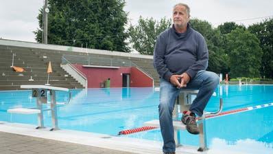 Bademeister Dominique Assire muss vom Schwimmbad Hörnli in Kreuzlingen Abschied nehmen. (Bild: Andrea Stalder (16.6.2016))