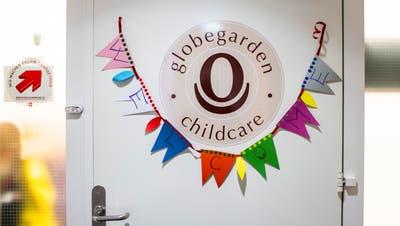 Der Eingang zu einer Globegarden-Kita. (Symbolbild: Patrick Hürlimann (Zug, 20. Dezember 2019))