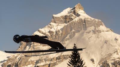 Kamil Stoch siegt in Engelberg – Schweizer verpassen Top Ten – das war der Liveticker vom ersten Tag