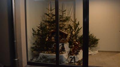 Das Adventsfenster in Ganterschwil mit der Nummer 21 ist an der Aewilerstrasse zu finden. (Bild: Beat Lanzendorfer)