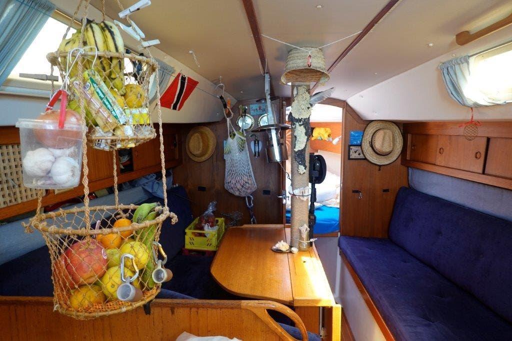 Blick ins Innere der Segeljacht Tringa.