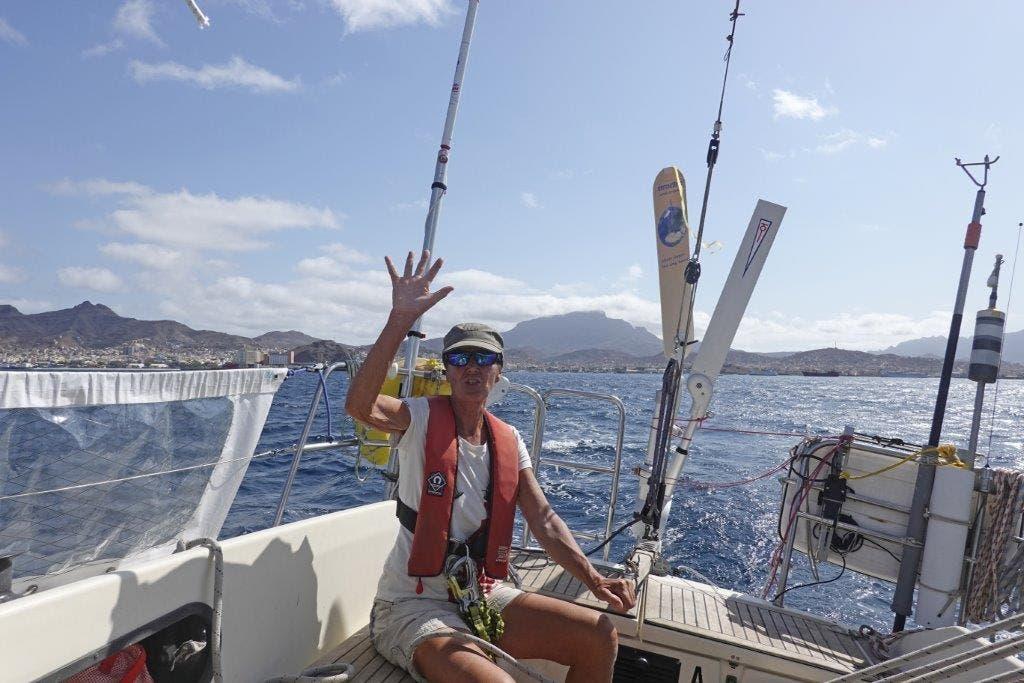 Vreni Perret beim Start zur Atlantiküberquerung am 27. November auf den Kapverden.