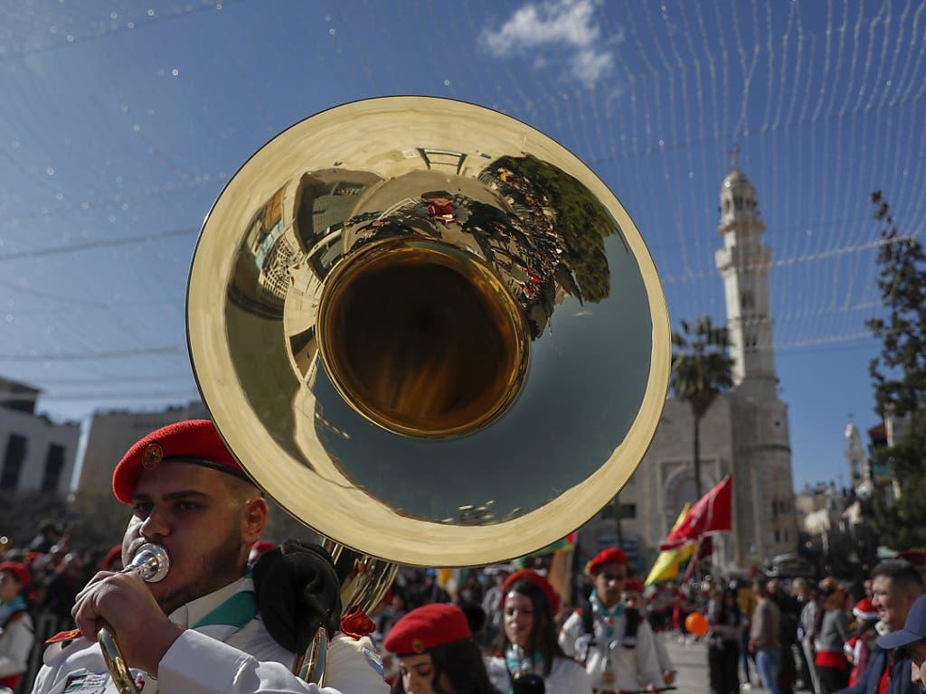 Pfadfinder haben sich an der Prozession zu der Geburtskirche in Bethlehem beteiligt