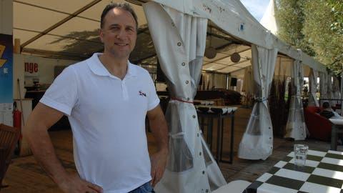 Dario Fimiani betreibt die Sealounge seit 15 Jahren. ((Bild: Nana Do Carmo))