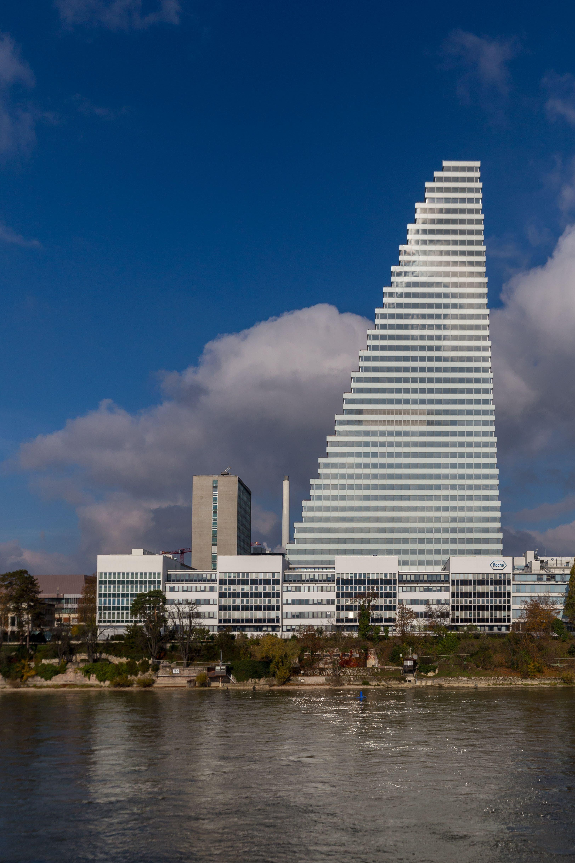 Stellte alle anderen in den Schatten. Das höchste Gebäude der Schweiz, der Roche-Turm in Basel, ist 178 Meter hoch.