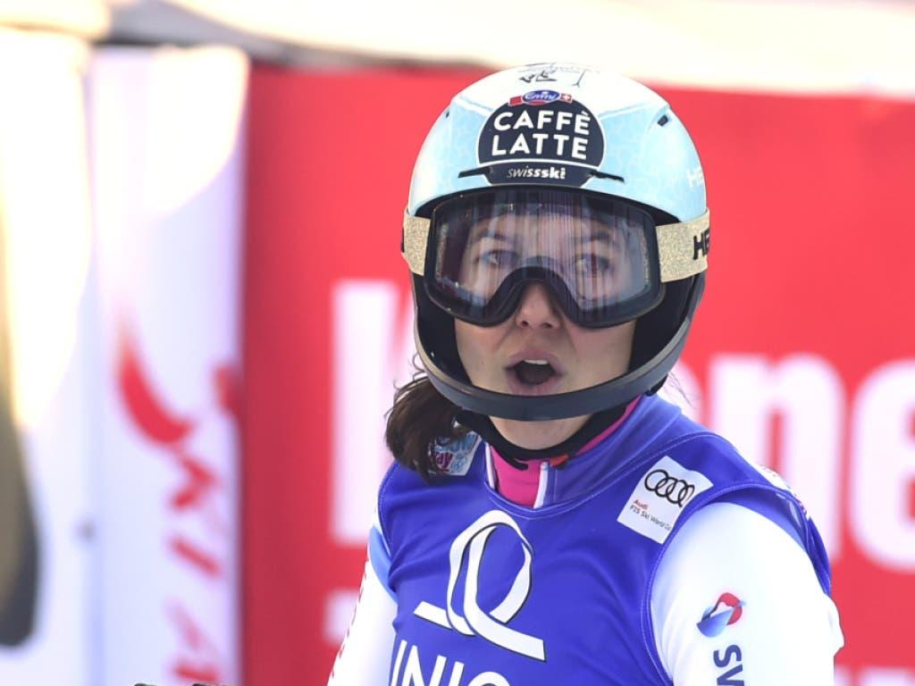 Wendy Holdener im Ziel nach ihrem Einfädler im zweiten Lauf