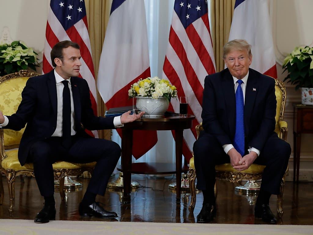 Der französische Präsident Macron hat seine Diagnose eines «Hirntods» der Nato bei einem Treffen mit Trump am Rande des Nato-Gipfels bekräftigt. Es gehe um die strategische Ausrichtung der Nato. Dazu zähle eine gemeinsame Definition von Terrorismus, sagte Macron. Diese fehle bisher.