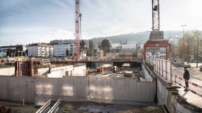 So sieht es zurzeit auf der Baustelle im Zentrum Wittenbachs aus. (Ralph Ribi)