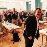 Der Moment, in dem Thals scheidender Gemeindepräsident Röbi Raths die Tränen zurückhalten muss.