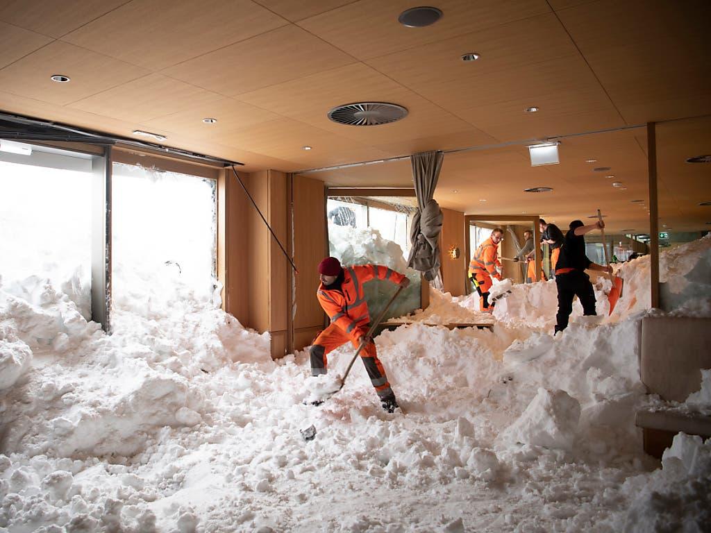 Auf der Schwägalp richtete am 10. Januar 2019 eine Lawine grossen Schaden an. Das Bild von den Aufräumarbeiten im Hotel «Säntis» ging um die Welt.