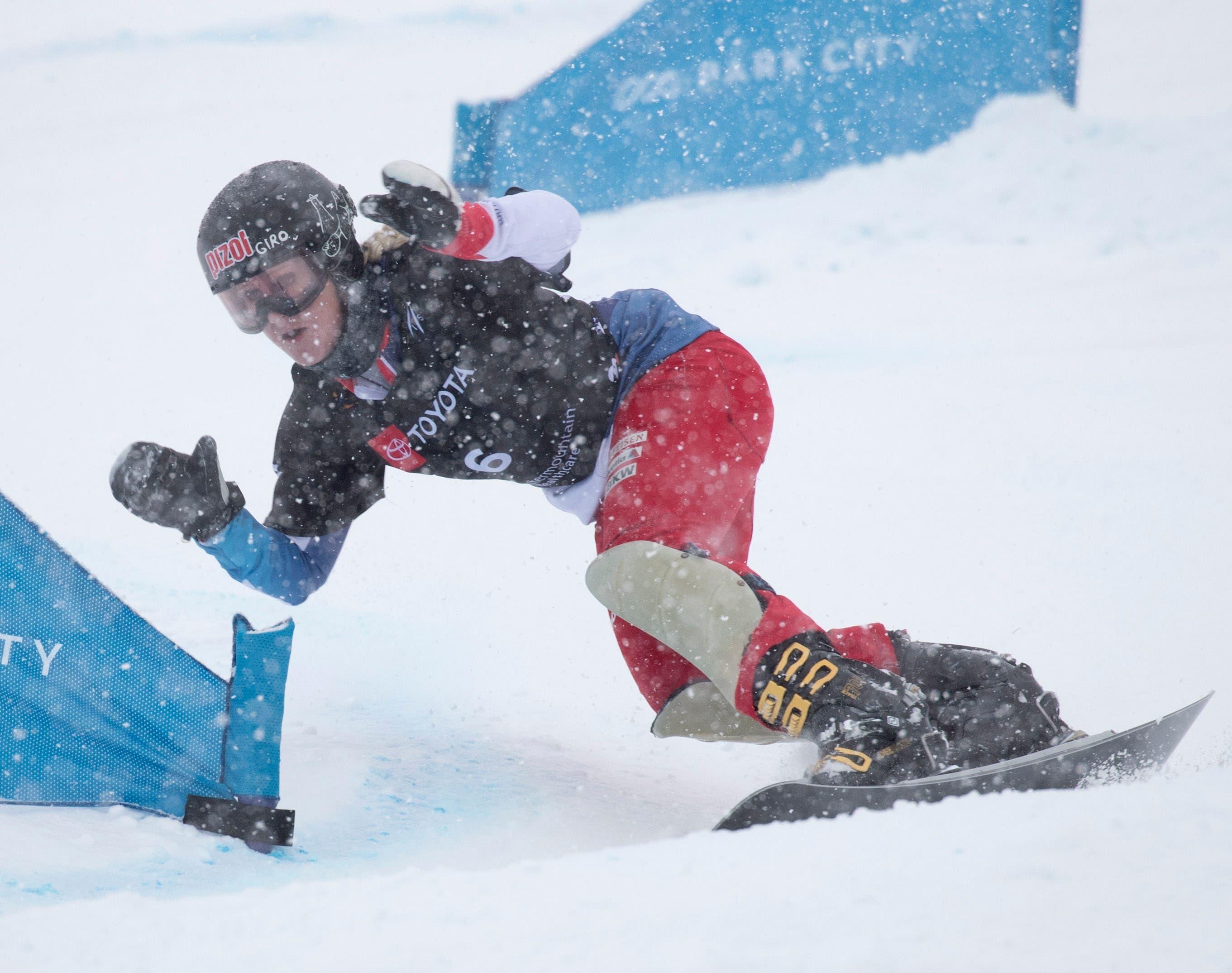 5. Februar: In Park City (USA) fährt die Snowboarderin Julie Zogg im Parallelslalom zu ihrem ersten Weltmeistertitel bei den Aktiven. Damit nicht genug: Die Wartauerin gewann in ihrer Paradedisziplin dieses Jahr zwei Weltcup-Rennen und sicherte sich den Gewinn der kleinen Kristallkugel.