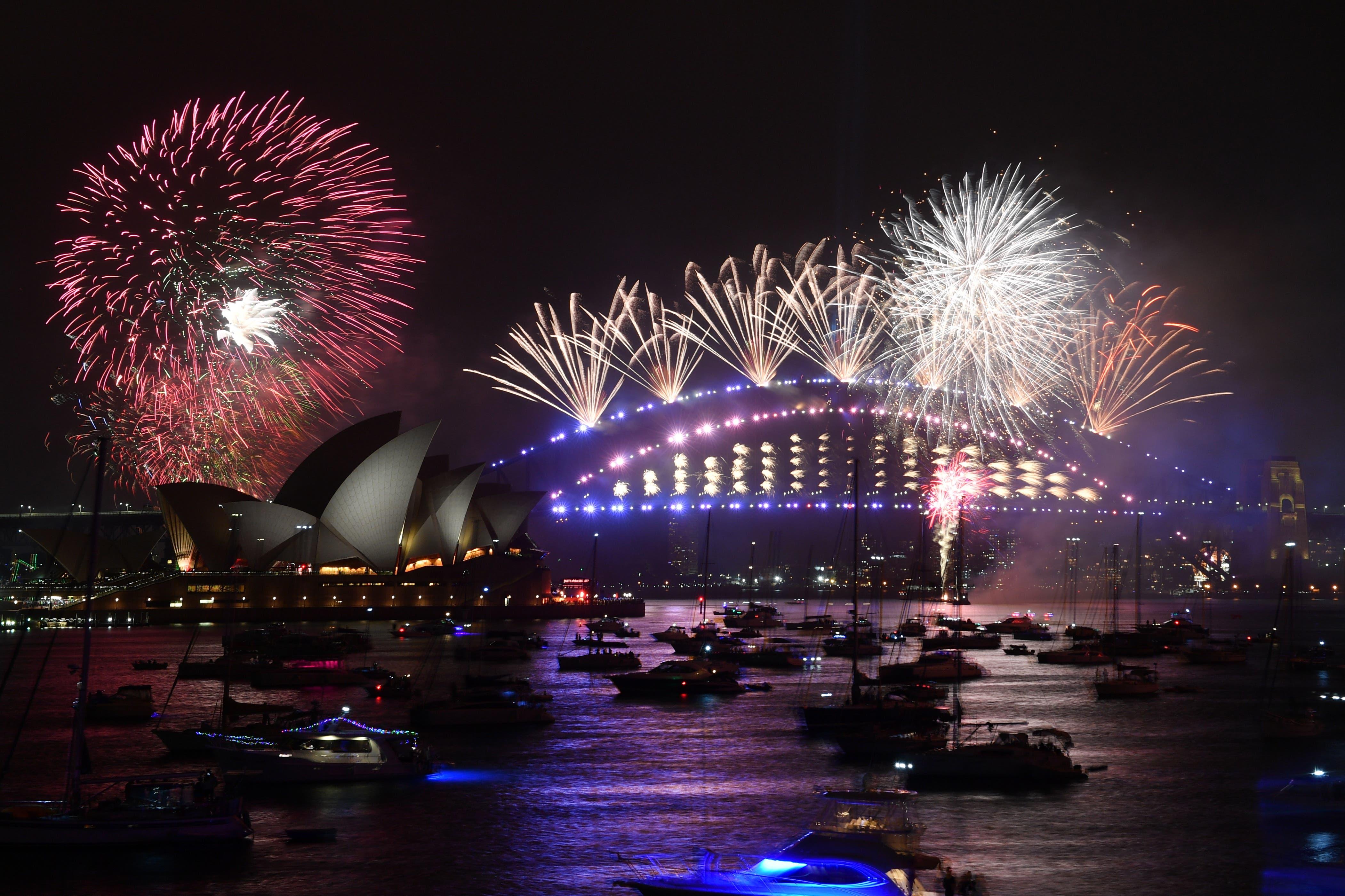Mitternachtsfeuerwerk in Sydney.