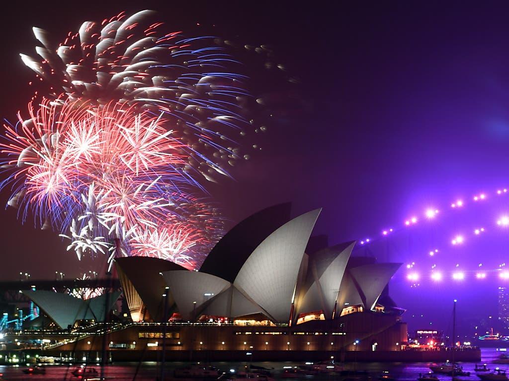 In Sydney gab es auch ein Feuerwerk für Familien mit Kindern, das bereits früher am Abend durchgeführt wurde.