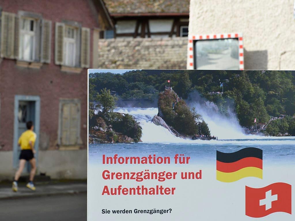 Lieber ganz bleiben als nur Grenzgänger sein: des Deutschen liebstes Auswanderungsland ist die Schweiz.