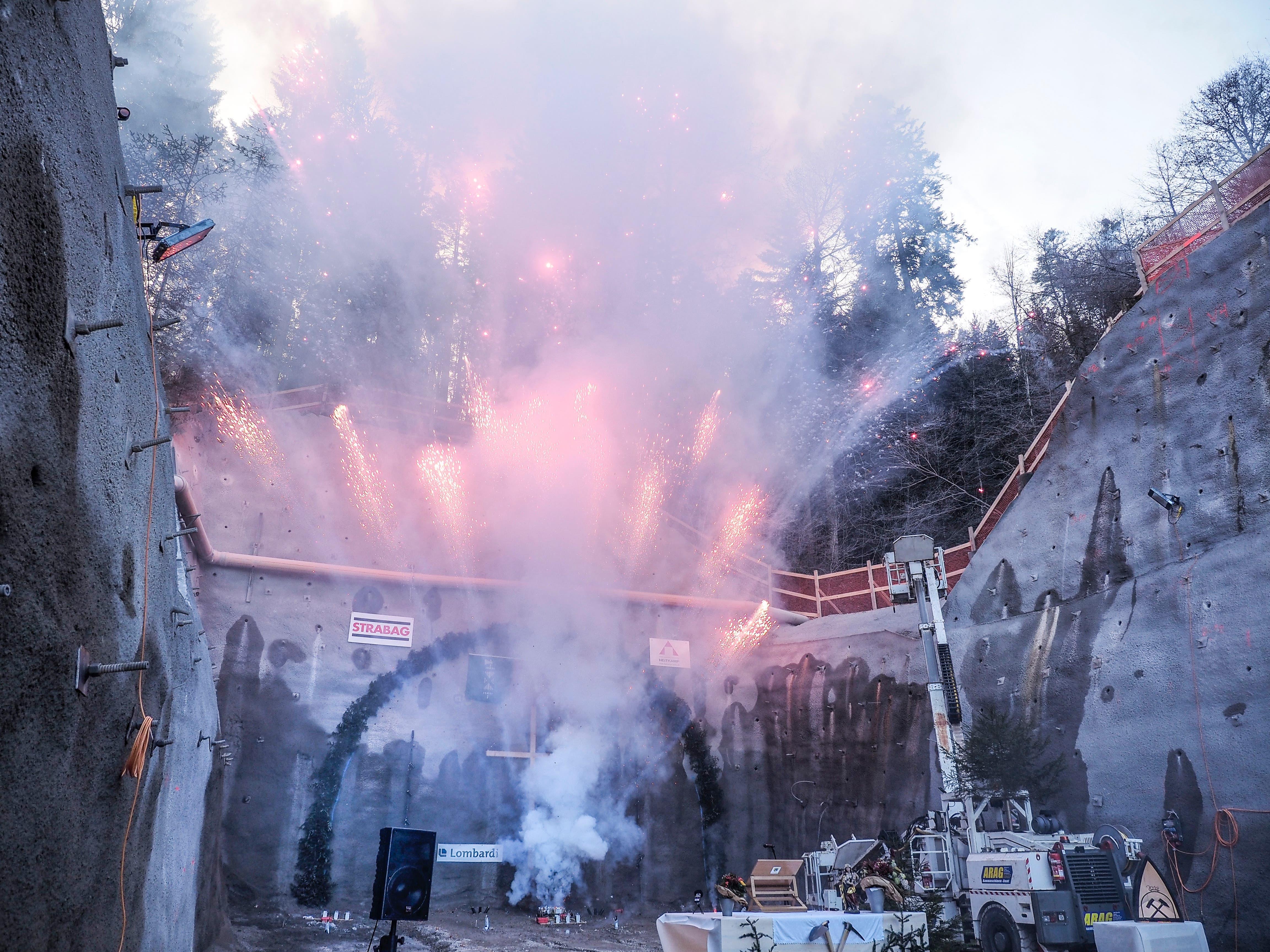 Die Bauarbeiten am Tunnel Lochweidli in Wattwil beginnen.