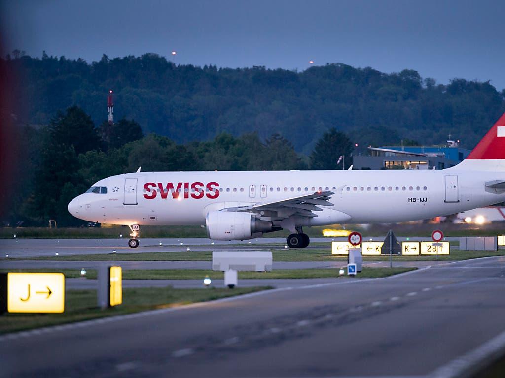 Auch am Flughafen Zürich fallen wegen des Streiks in Frankeich Flüge aus.