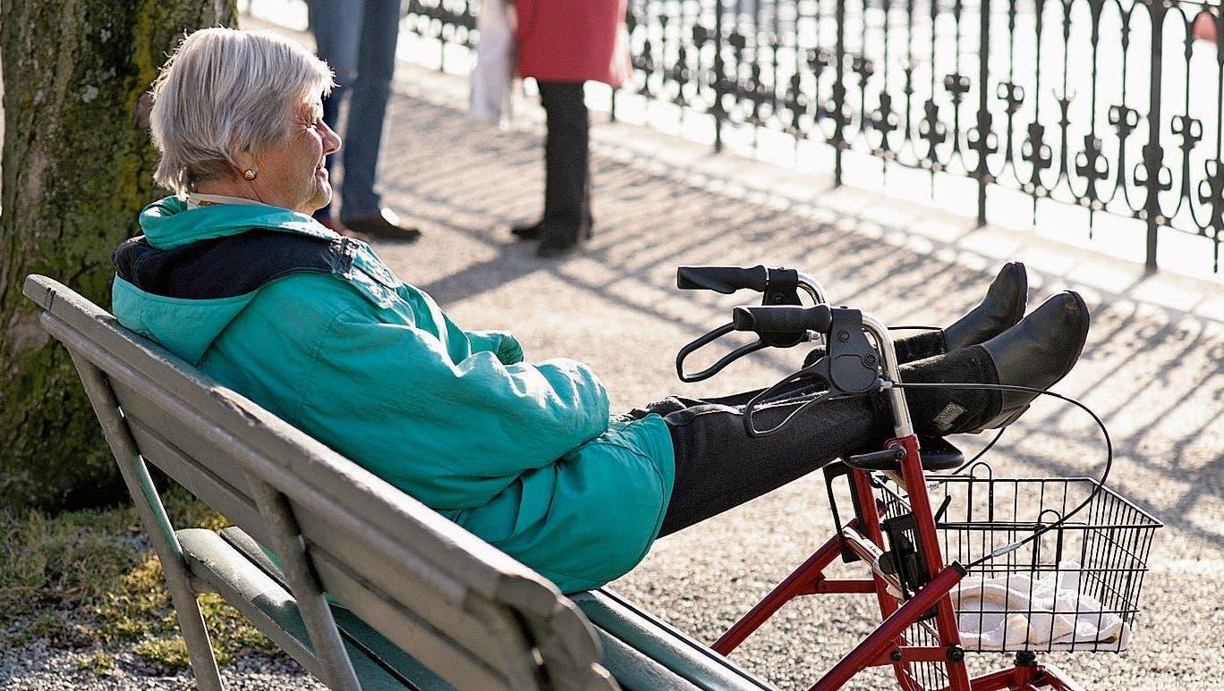 Die Börse schwemmt Geld in die Zentralschweizer Pensionskassen, doch die Neurenten sinken