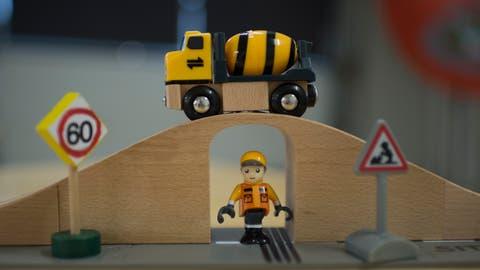 So einfach wie mit dem Playmobil ist die Sanierung der St.Galler Stadtautobahn leider nicht. Sie ist zeitaufwendig und kostet 524 Millionen Franken. (Bild: Benjamin Manser)
