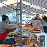 Die Atmosphäre ist der Mehrwert Buchser Freitagsmarktes gegenüber dem Einkaufen im Laden
