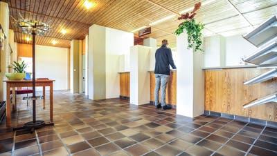 Am 19. Mai 1979 weihten die Wängemer ihr Gemeindehaus ein. Seither blieb der Bau innen wie aussen fast unverändert. ((Bild: Olaf Kühne))