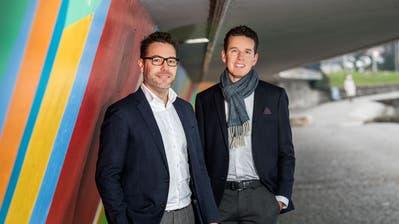 Wollen mit ihrem Zuger Fonds Start-ups unterstützen: Daniel Andres (links) und Teddy Amberg. (Bild: Eveline Beerkircher)