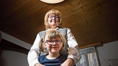 In Alexandras Stube leuchtet's dank OhO hell: Wie eine Speziallampe das Leben einer Sechsjährigen veränderte