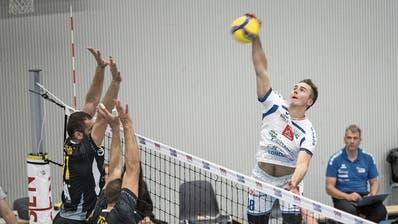 Der Topskorer von Volley Luzern springt auch im Dezember in den Vierwaldstättersee