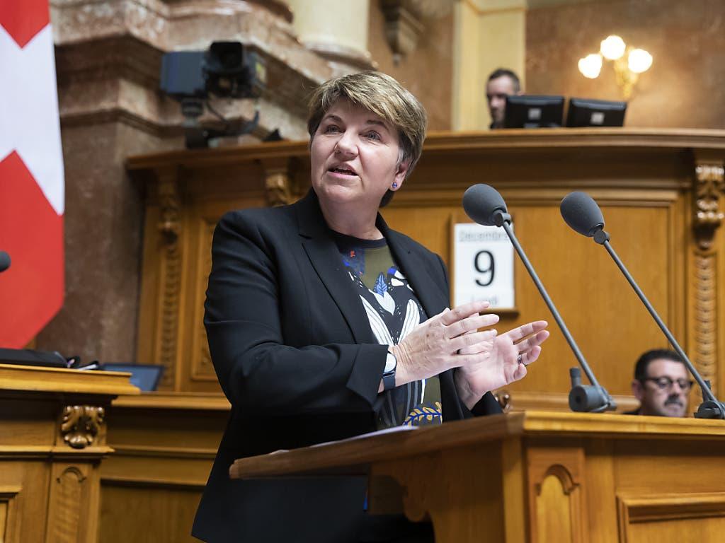 «Reine Verschwendung»: Verteidigungsministerin Viola Amherd zum Antrag der Linken, Trainingsflugzeuge für den Luftpolizeidienst zu kaufen.