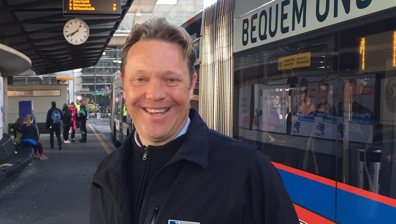 «Das Verhalten der Velofahrer lässt mich manchmal auf die Zähne beissen» – VBL-Busfahrer Reto Wirth im Podcast